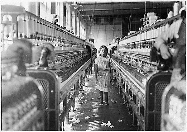 Trabajo infantil en una fábrica textil (EE.UU.,1908)